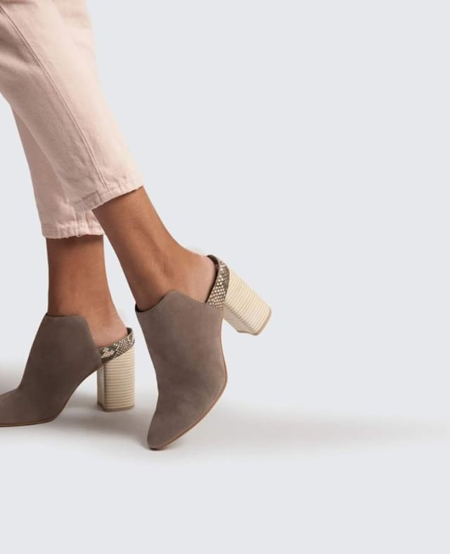 Our favorite mules from @dolcevita. #poppyandstella