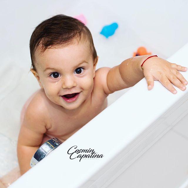 Bath time:) #picoftheday #photography #thephotographer #babyphotography #maternityphotography #mother #father #sweetbaby #picoftheday #nude #bath #bathtine #babybathtime