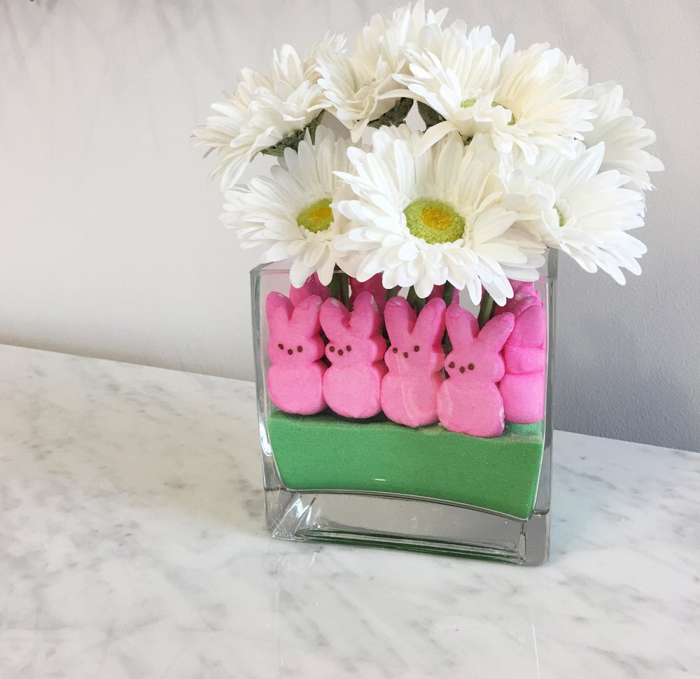 Crayola_Play_sand_Bouquet_with_Marshmallow_Peeps_finshed1