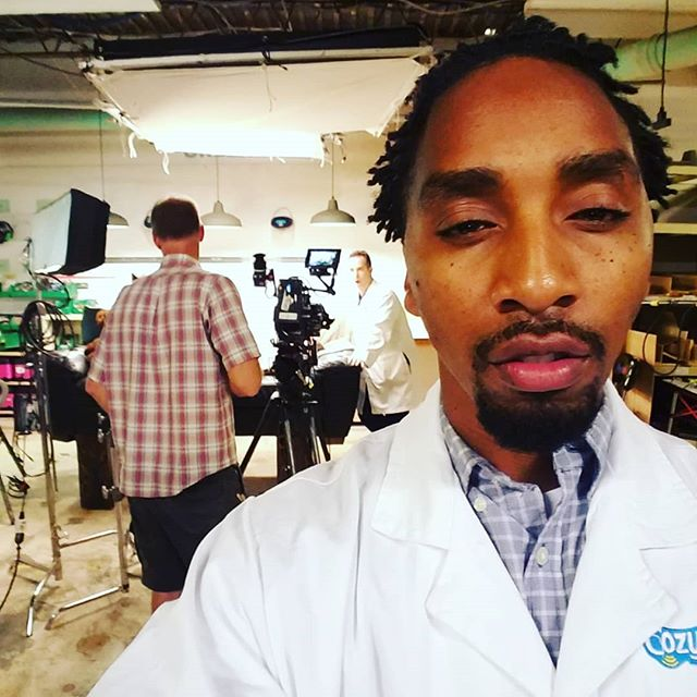 Great time on set filming! Met some other amazing actors and heavy hitters in the entertainment industry that gave me some really good advice on perfecting my craft! #actorlife #actor #entertainment #commercialshoot #commercial #comedy #virginia #labtech