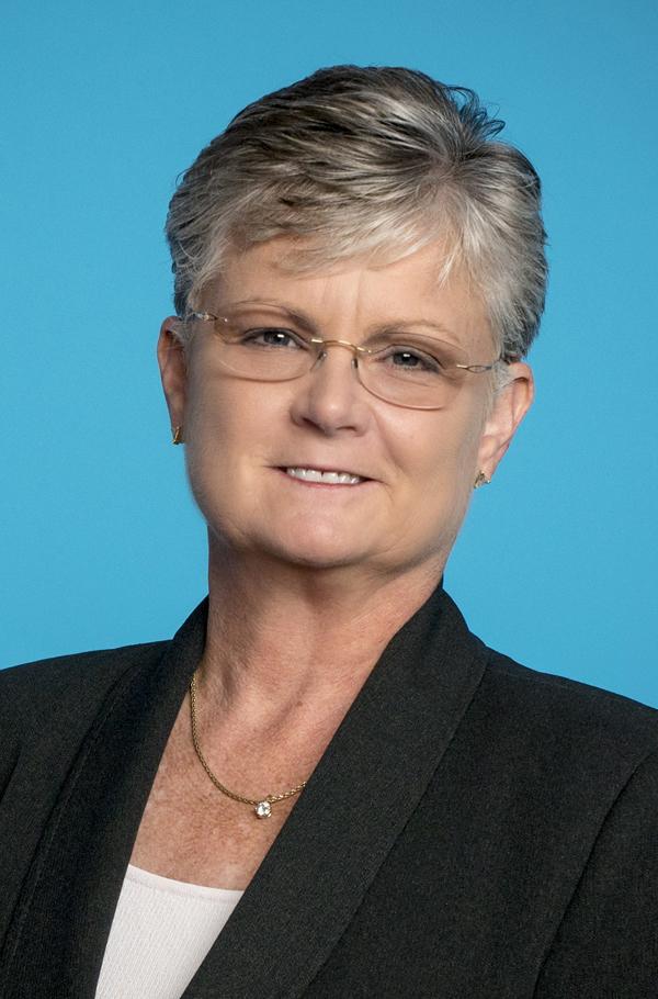 Stella Hess. -  2017
