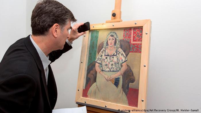 L'une des deux oeuvres restituées : Femme assise avec un éventail, d'Henri Matisse