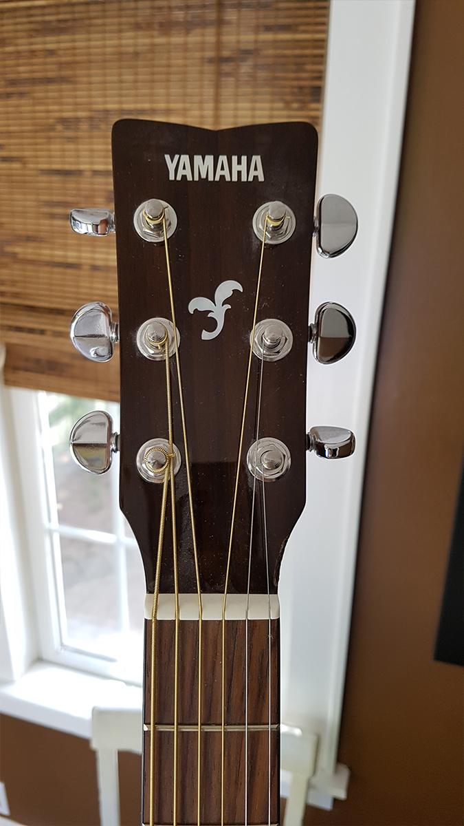 3_guitar.jpg