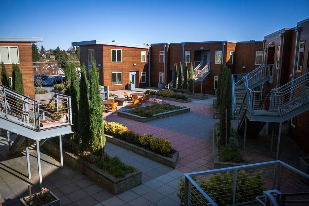 Beverly-courtyard2.jpg