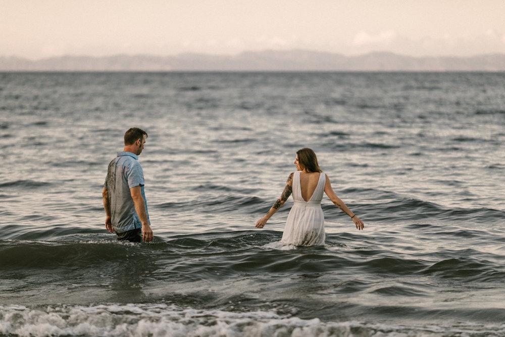 destination wedding and elopement traveling photographer photography Hawaii California