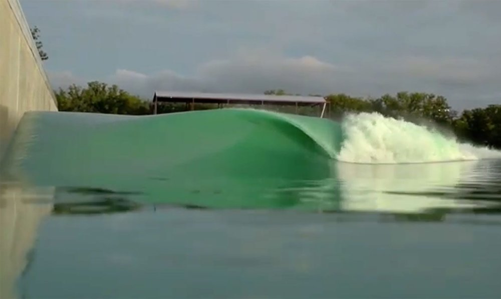 Perfect, barreling right-hander from the BSR Surf Ranch in Waco, TX.
