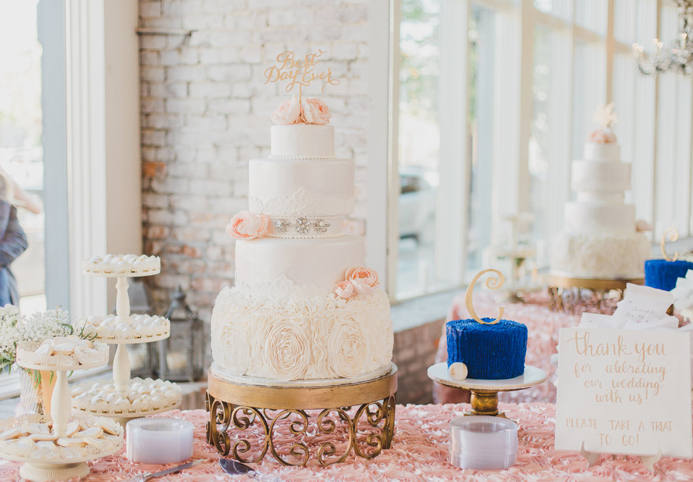 5 layer cake in 5 eleven wedding venue in pensacola