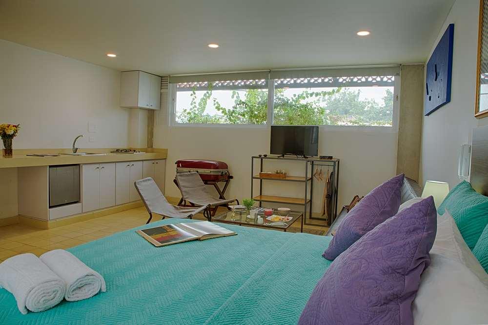 204-Bed.jpg