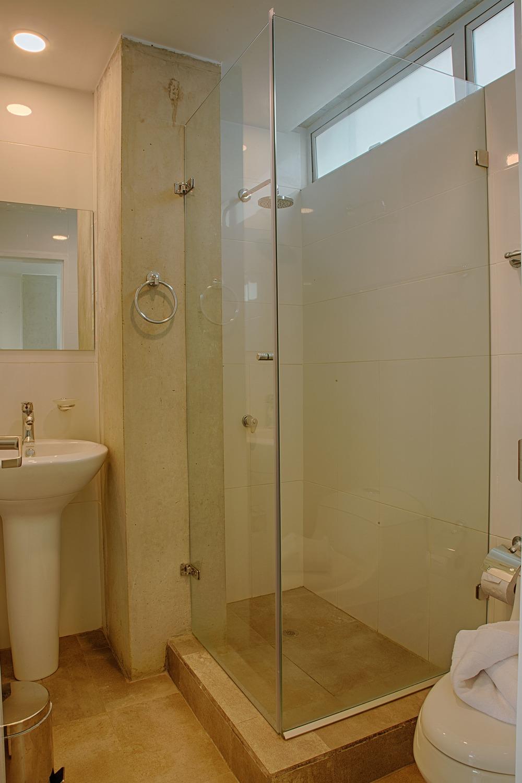 301-Bathroom.jpg