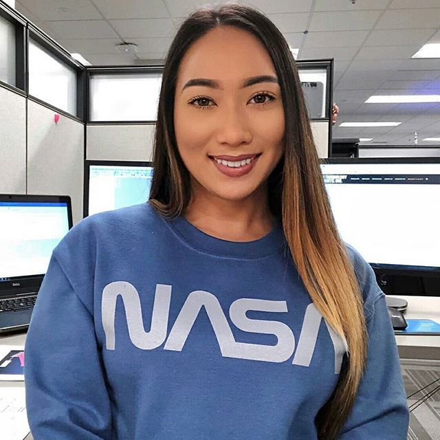 Tune into today's story, where we're featuring Mary Nguyen (@marynguy). Mary graduated with a B.S., Mechanical Engineering, and currently works as a Structural Engineer at NASA, where she supports and analyzes Special Test Equipment. She ultimately pursued Engineering for its challenges, innovations, and rewards! 🌐✨