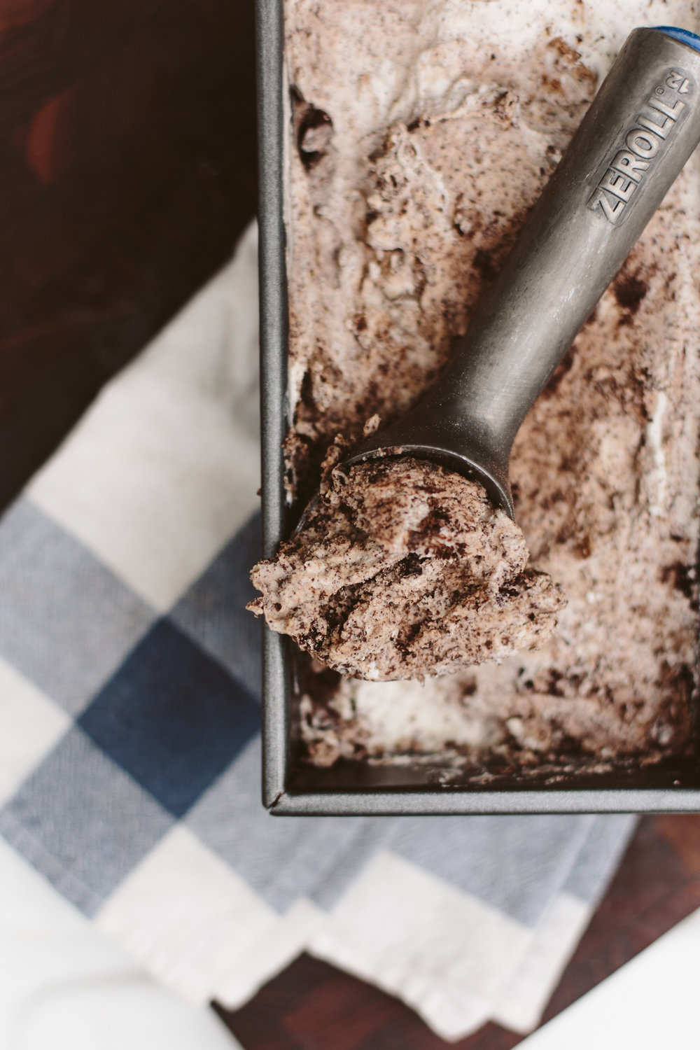 Keto Cookies + Cream Ice Cream-5.jpg