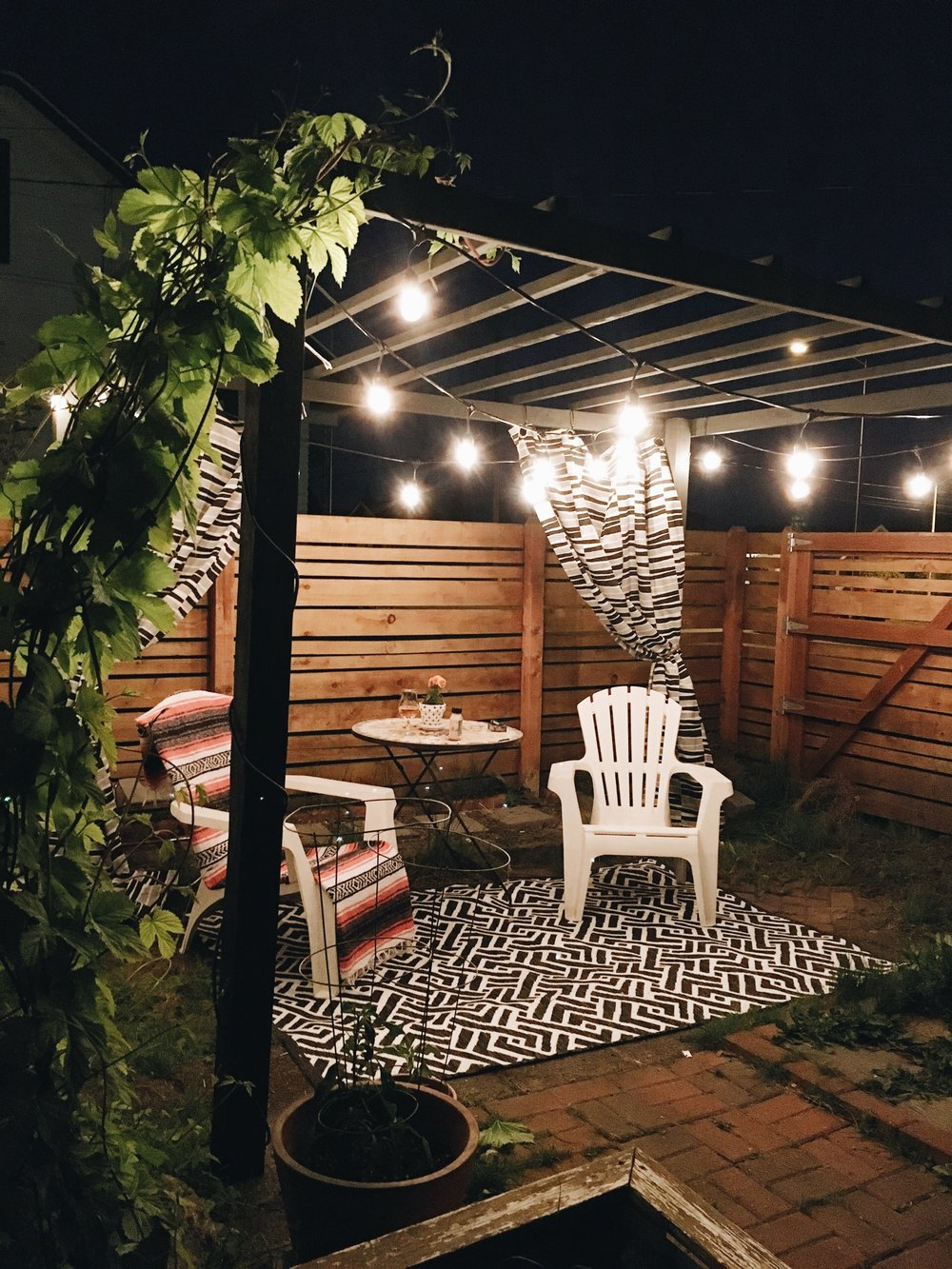 DIY Modern Pergola Tutorial