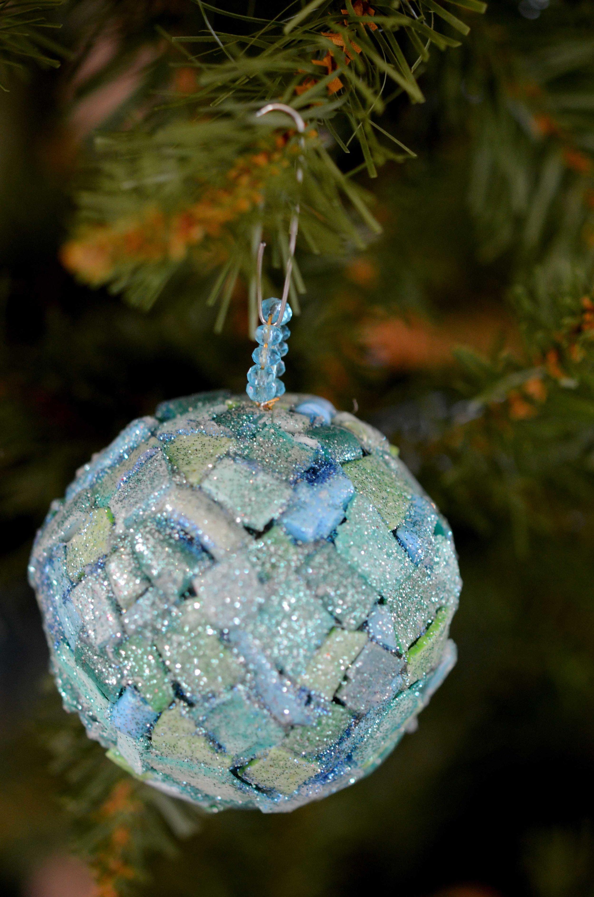 Beach Plastic Christmas Ornament Workshop In Tarpum Bay Cape