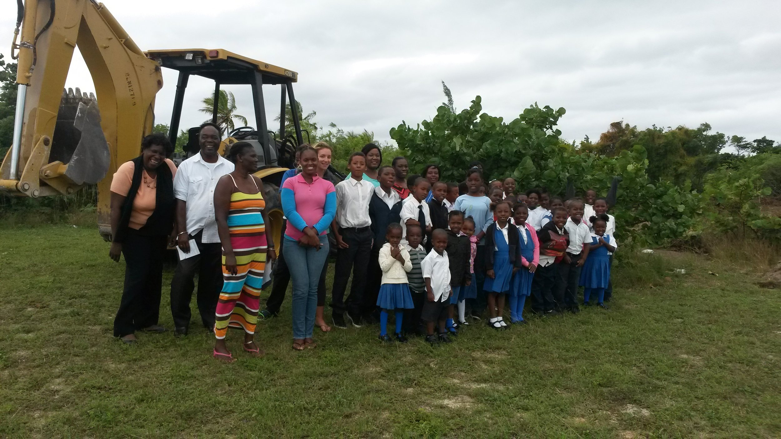 A big thank you to all our supporters- including the Cape Eleuthera Marina and Resort for donating their backhoe to clear the land!