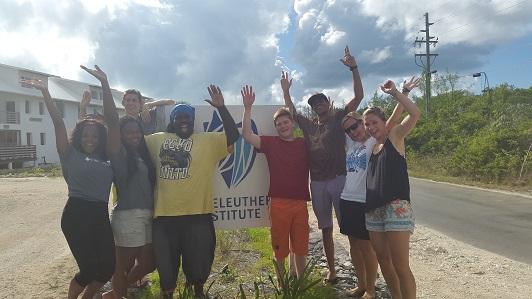 The final coral Earthwatch team