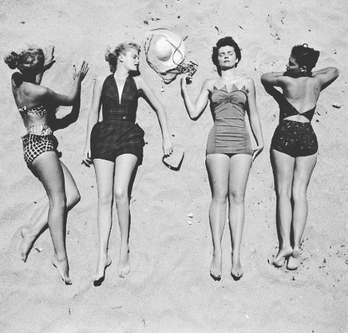 A little vintage summer throwback to get you inspired for the weekend. 👯👙☀️🔥👯#summertime #tbt #thosetanlines #throwback #vintage #originalbubbies #bubby #bubbylove