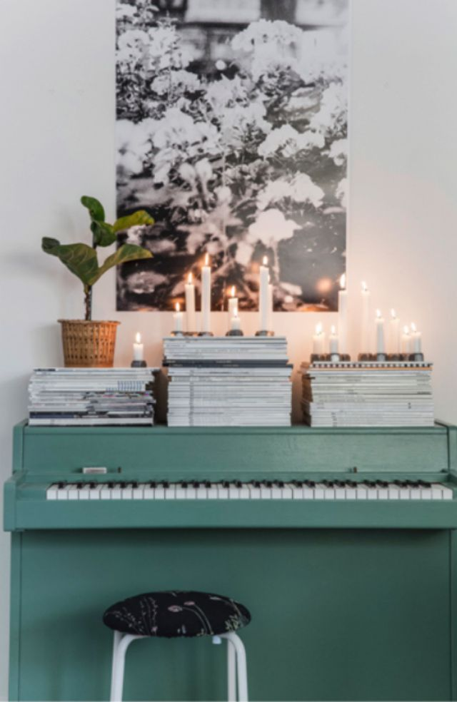teal piano
