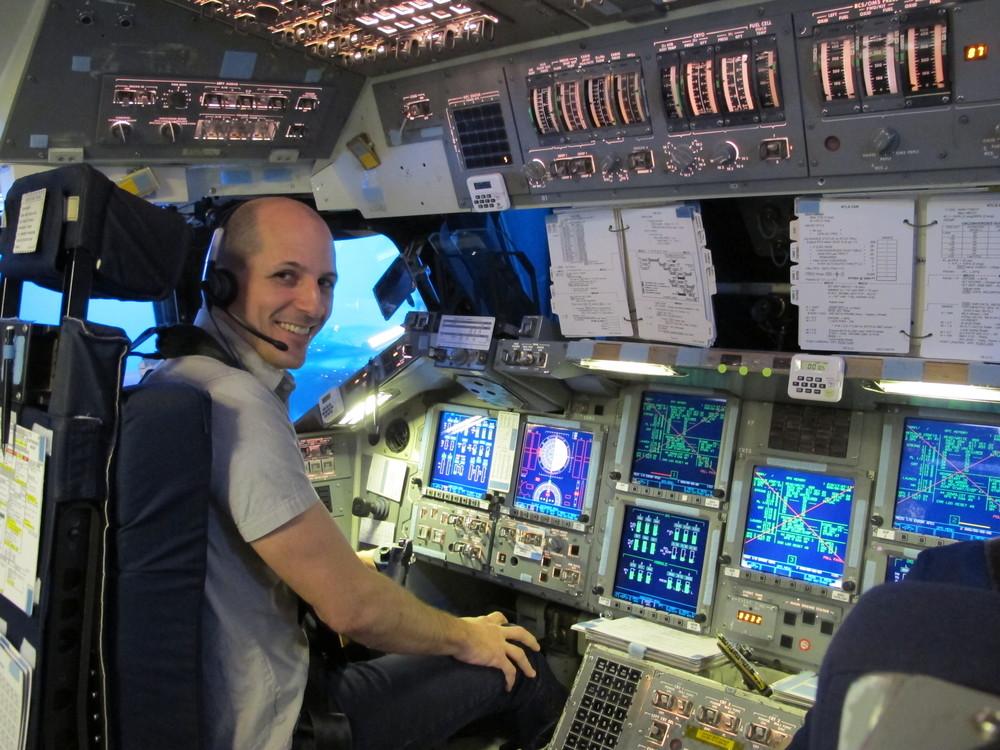 Mark_ShuttleCockpit_01.JPG