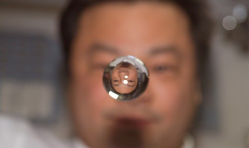 astronaut-leroy-chiao-expedition-10-commander-and-nasa-iss-science-officer-watches-a-water-bubble-float-bostoncom-big-picture.jpg
