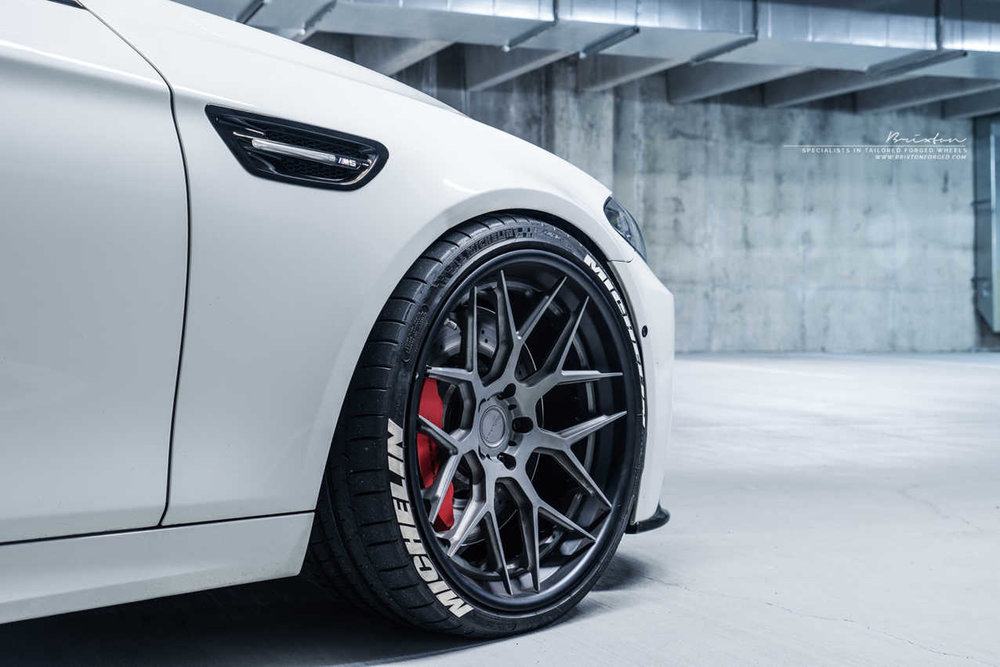 tire-stickers-m5-4.jpg