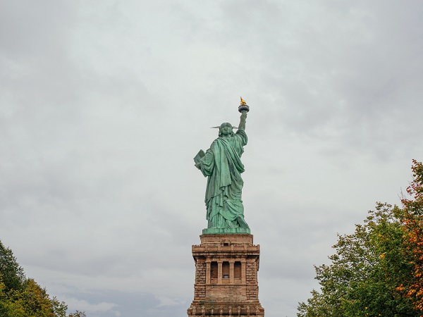 "A ""debt free"" Lady Liberty? (er...not really)"