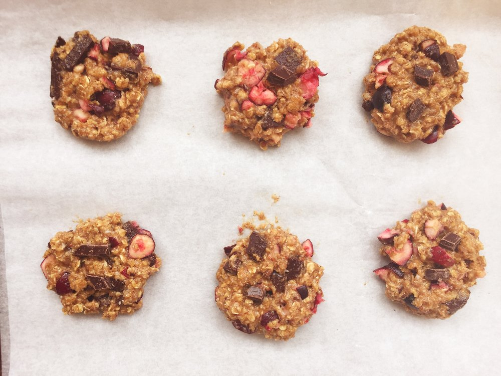 oatmeal-cookies-baking-sheet