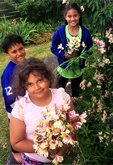 Kids can make or create a beautiful present for whānau without spending a cent.