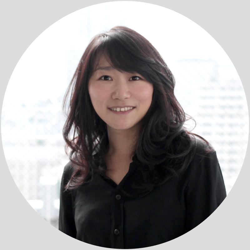 ハースト婦人画報社にてVingtaine、La vie de 30ans編集部を経て、2007年よりELLEgirl、ELLEgirl ONLINE編集長に就任。2014年からはファッションアプリ iQONにてエディトリアルディレクターとしてiQON Magazine立ち上げ後、2016年にPomalo株式会社を設立。 紙に加えて、デジタルサイトの戦略立案、SNS キャンペーン立案、 ビジネス戦略、プロモーショ戦略など編集コンテンツを活かした施策トータルで形に出来る類まれな編集者。  After working on the editorial team for Vingtaine and La vie de 30an at Hearst Fujingaho, became chief editor for ELLEgirl, ELLEgirl ONLINE in 2007. From 2014, worked as editorial director for the fashion application iQON, launching the iQON Magazine. Afterwards, joined Pomalo Inc. in 2016. A rare editor who can provide total solutions, including drafting strategies for both paper and digital media, SNS campaign planning, business strategy, and promotion strategy.