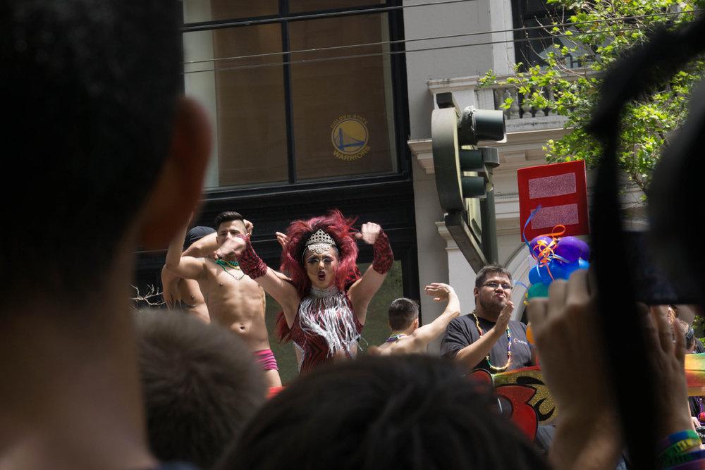 prideladyparade-12.jpg