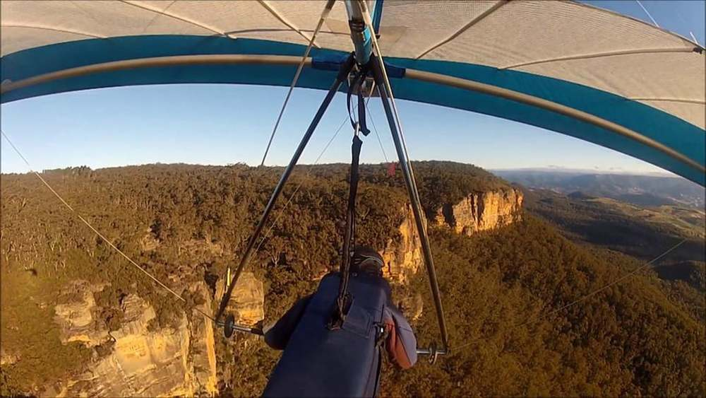 Flying just past launch at Blackheath, Blue mountains NSW