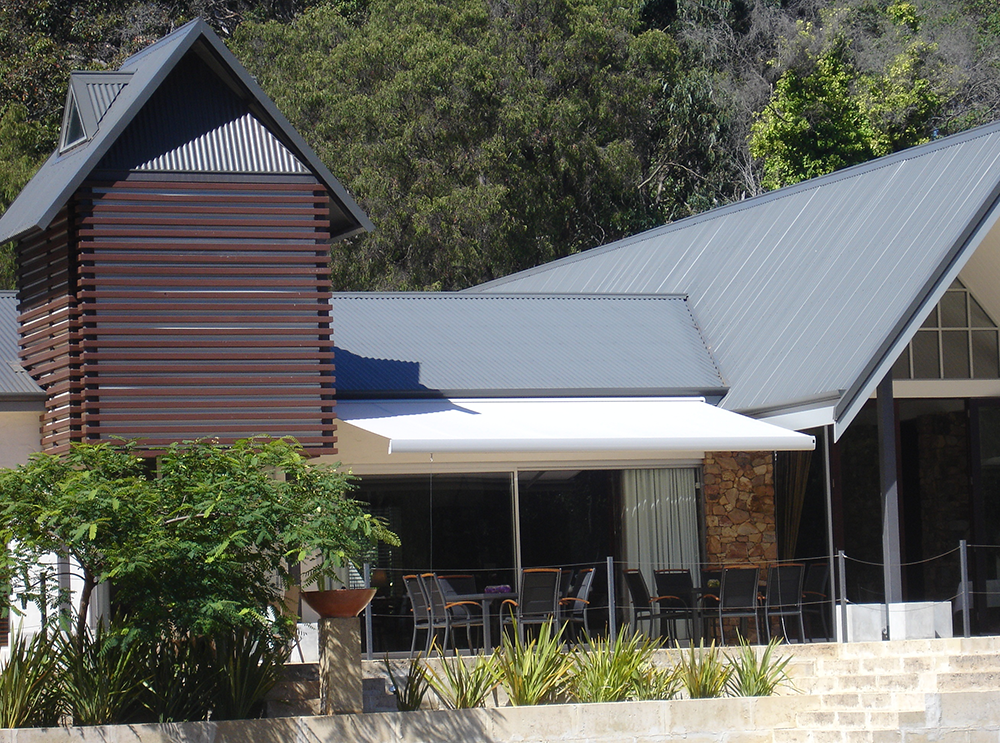 Custom Motorised Retractable Roofs Awnings And Blinds Long