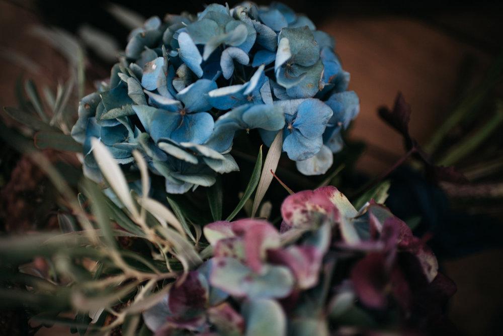 FLOWERS 106-autumn-inspired-boudoir-shoot.jpg