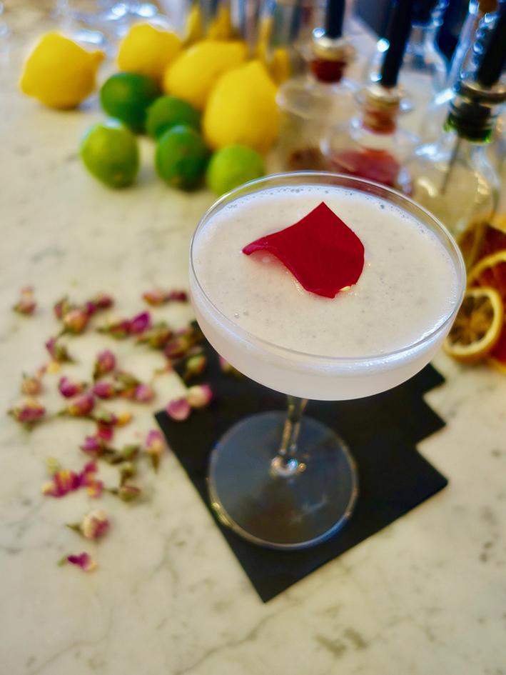 Hoa Pearl Martini