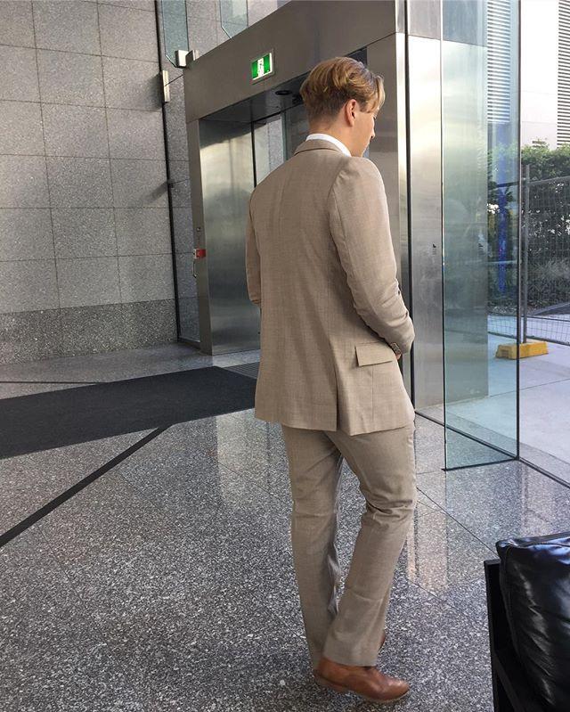 Val Suit