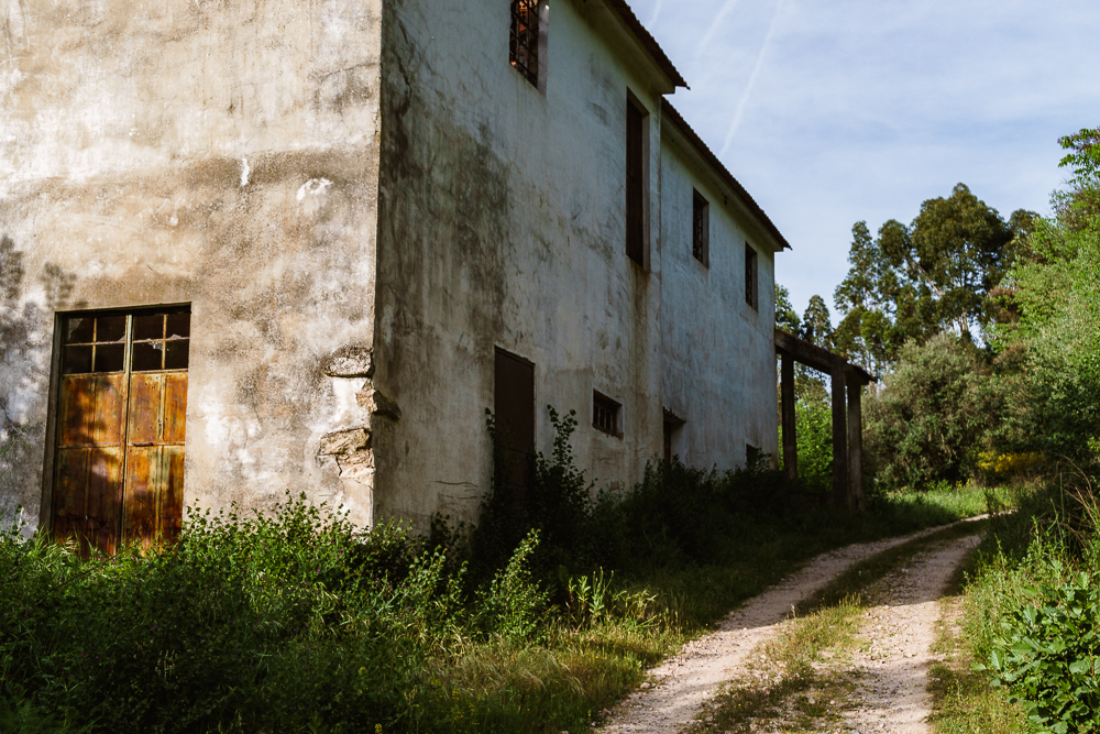 Any cult leaders scouting for a location for their doomsday headquarters? Go visit the Portuguese countryside. Plenty of large, abandoned buildings available. Make sure to bring a lockpick set though.