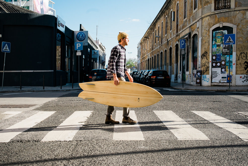 Ep. 1: Making the leap, with Antoine Thys - Shaper of wooden surfboards at his studio Onda Nova Surfboards.Belgian, based in Lisbon.