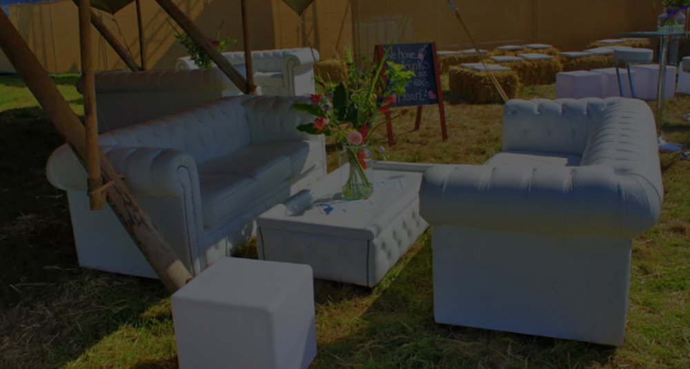 Chesterfield drink table - The Chesterfield drinks table in white are perfectly matched with our white Chesterfield sofas, offering a stunning furniture set that that is both practical with glass tops and visually delightful.get in touch