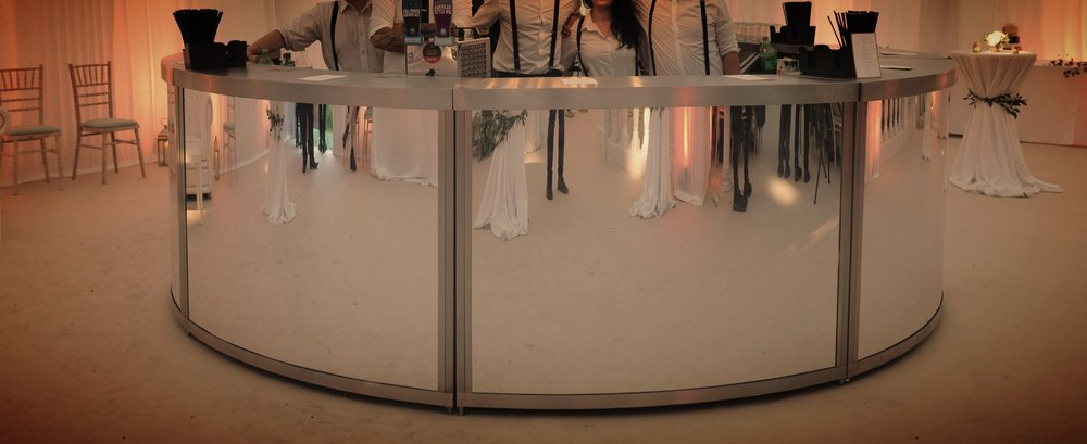 CircLE BAR - The circle bars are the ultimate in decadence and style and can comfortably cater for up to 800 event guests. It looks visually stunning from every angle and reflects the beauty of its surroundings. Available in Gold mirror, Silver mirror or LED.Get In Touch