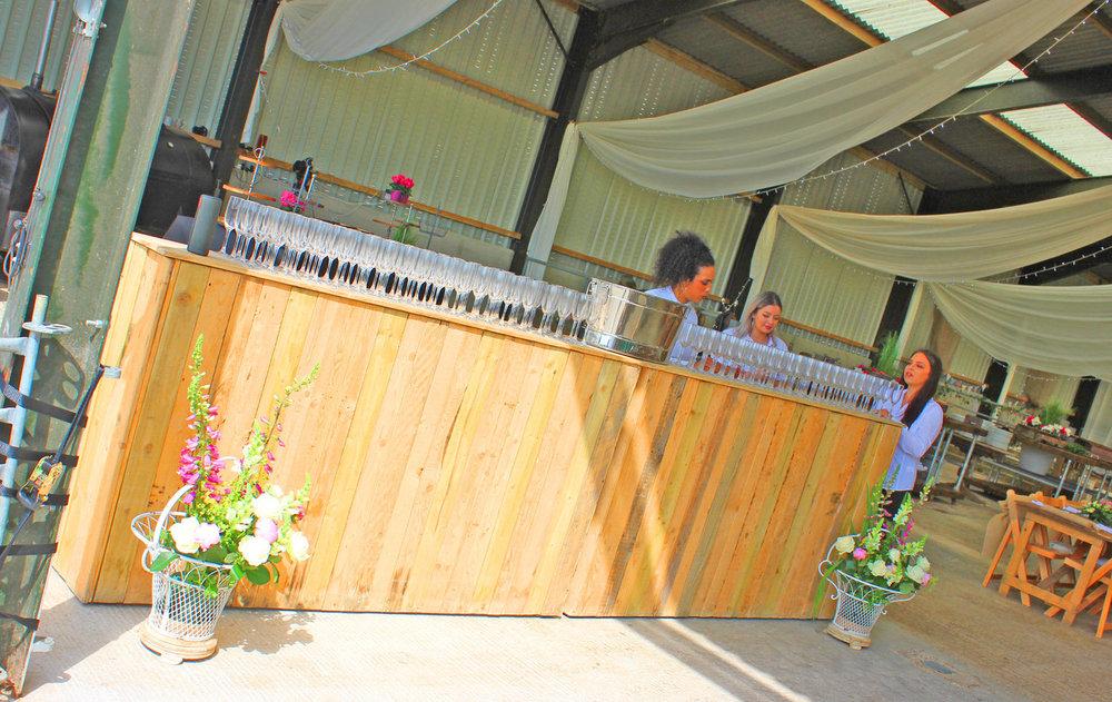 Rustic Wedding Bar >