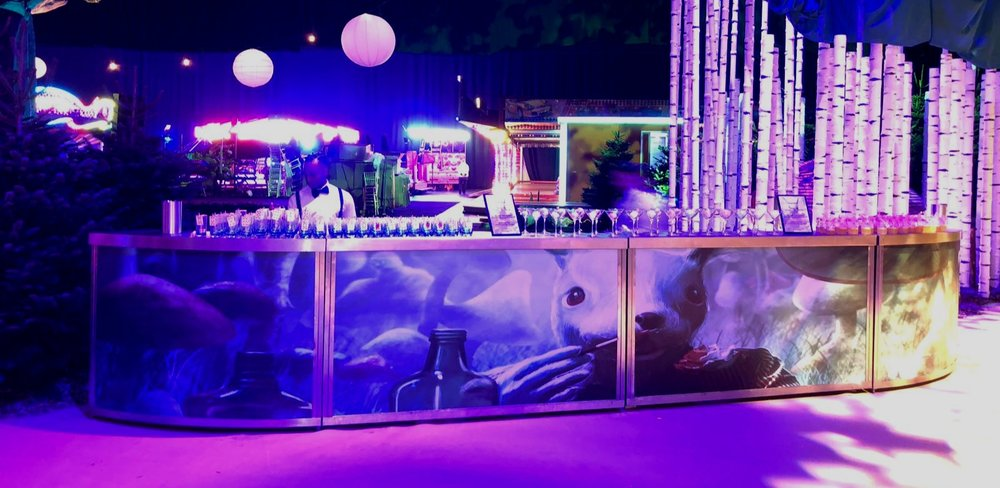 THEMED barS - Looking for a unique mobile bar to meet an unusual brief? We have Hollywood themed bars, 1980's themed bars, Hawaiian themed bars, Alice in Wonderland themed bars, Day of the Dead theme and more…Themed bars