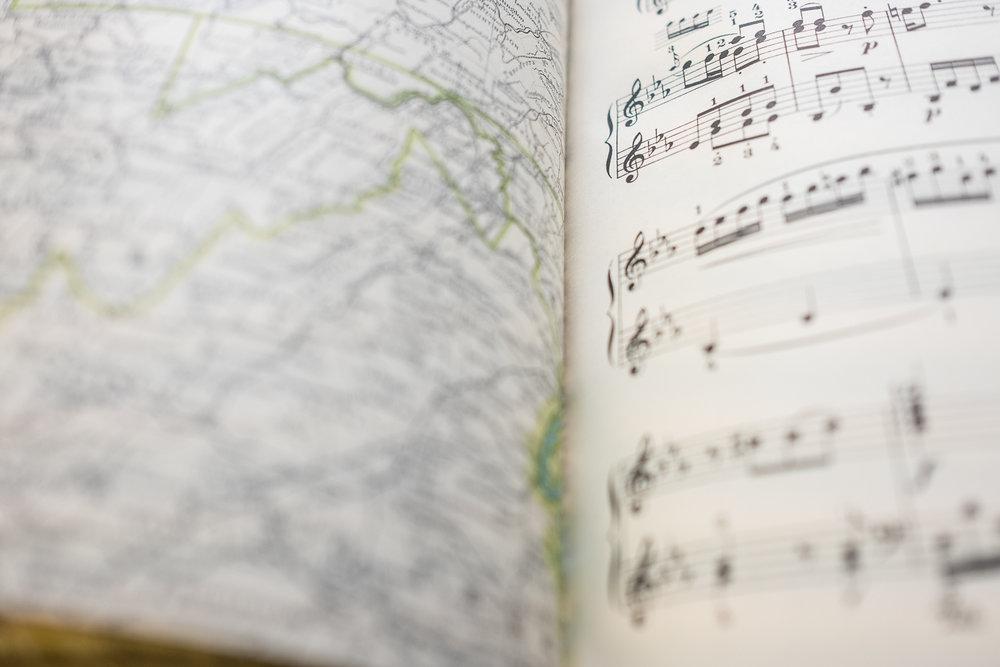 MozartMusicWeddingGuestbookVintage-3.jpg