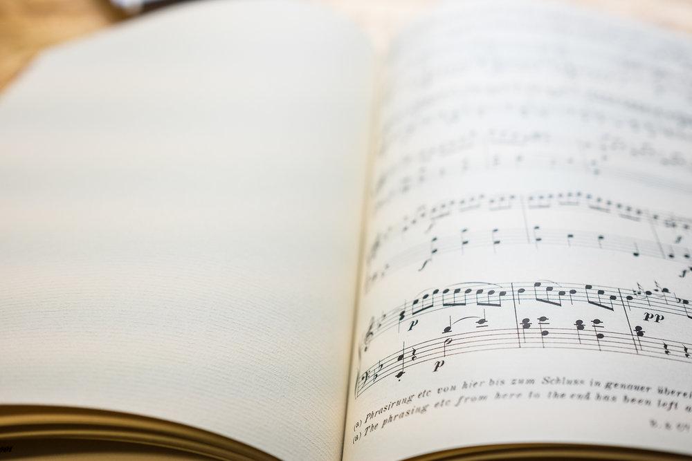 MozartMusicWeddingGuestbookVintage-5.jpg