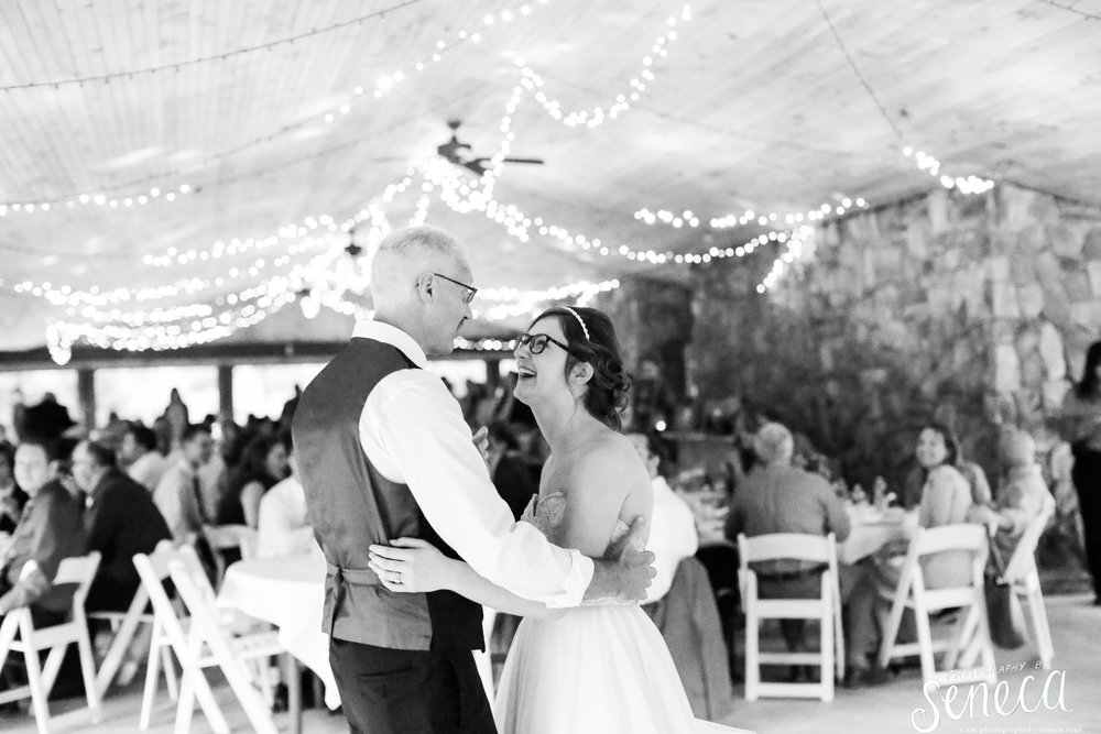 photographybyseneca_PAweddingphotographer_0185.jpg