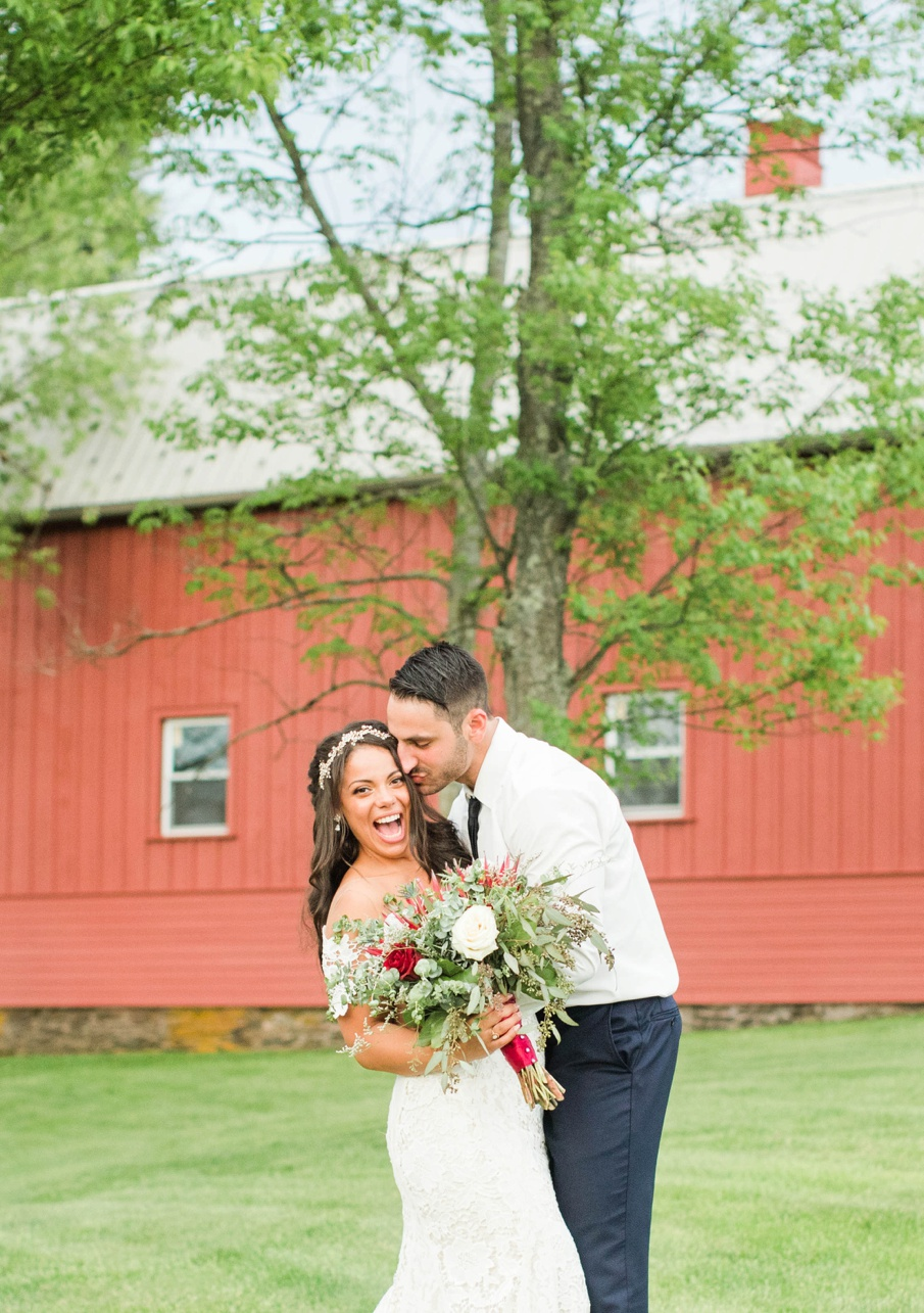 Friedman farms summer wedding, light and airy pennsylvania wedding photographer, candid wedding photographer, scranton pennsylvania wedding photographer, Wilkes barre pennsylvania barn wedding venue