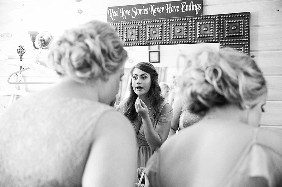 senecaryanco-pennsylvania-wedding-photographer-scranton-barnatglisteningpond_0020.jpg