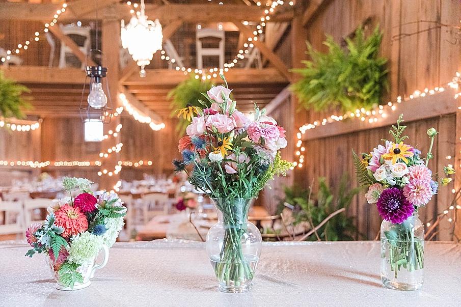senecaryanco-pennsylvania-wedding-photographer-scranton-barnatglisteningpond_0168.jpg