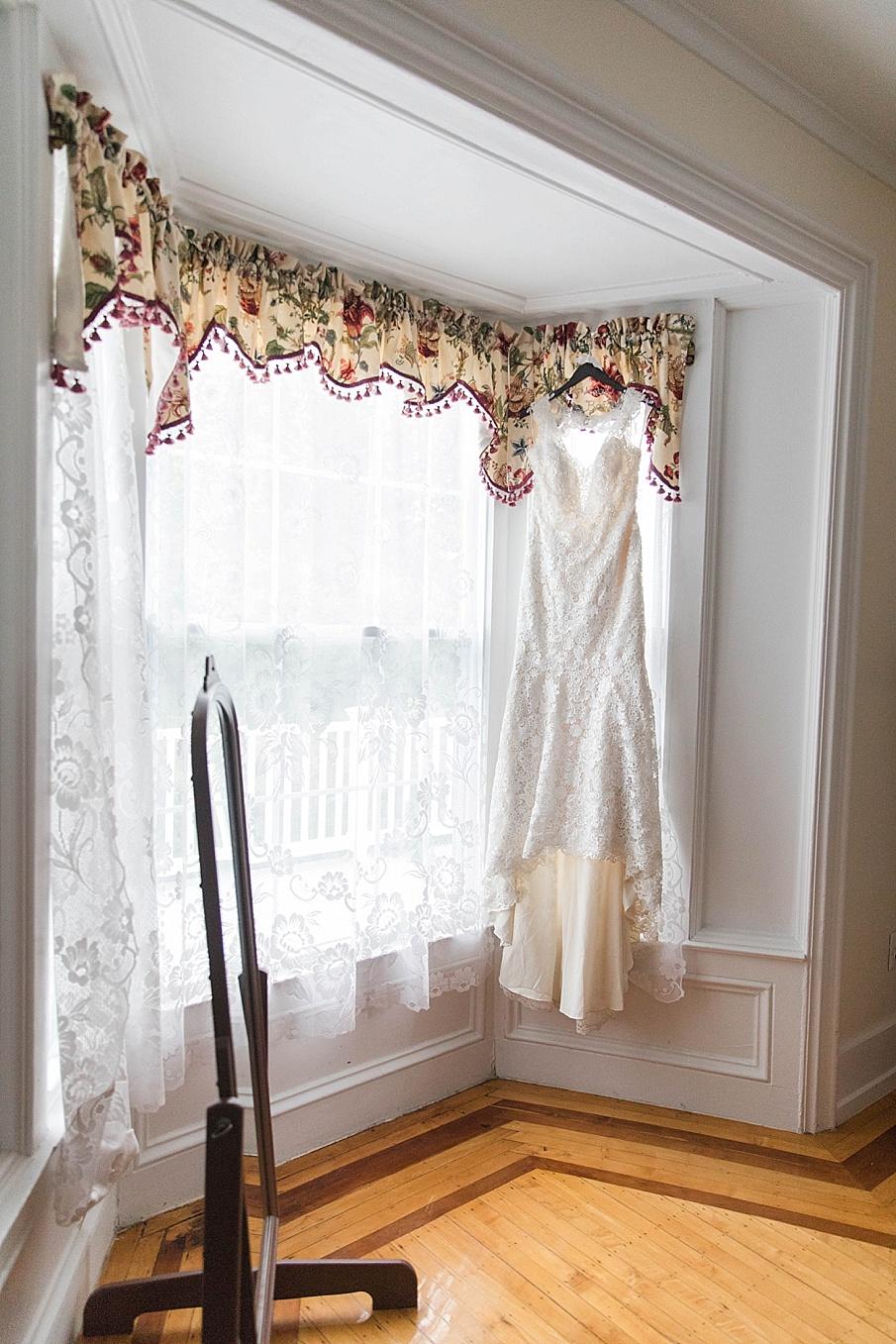 senecaryanco-pennsylvania-wedding-photographer-scranton-barnatglisteningpond_0180.jpg