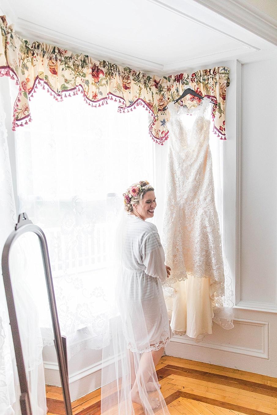 senecaryanco-pennsylvania-wedding-photographer-scranton-barnatglisteningpond_0181.jpg
