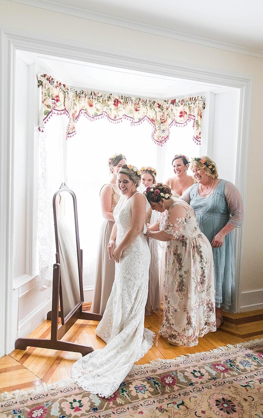 senecaryanco-pennsylvania-wedding-photographer-scranton-barnatglisteningpond_0183.jpg