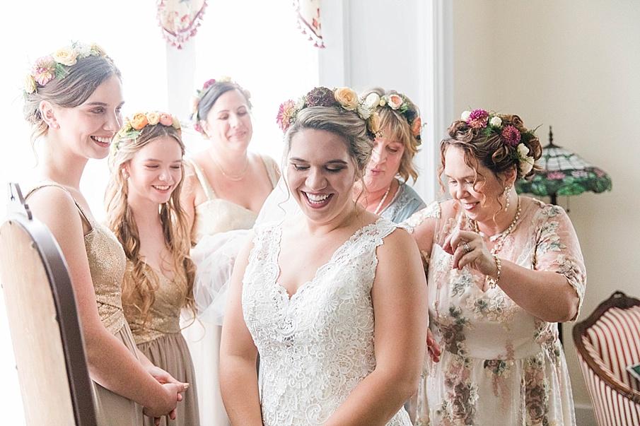 senecaryanco-pennsylvania-wedding-photographer-scranton-barnatglisteningpond_0186.jpg